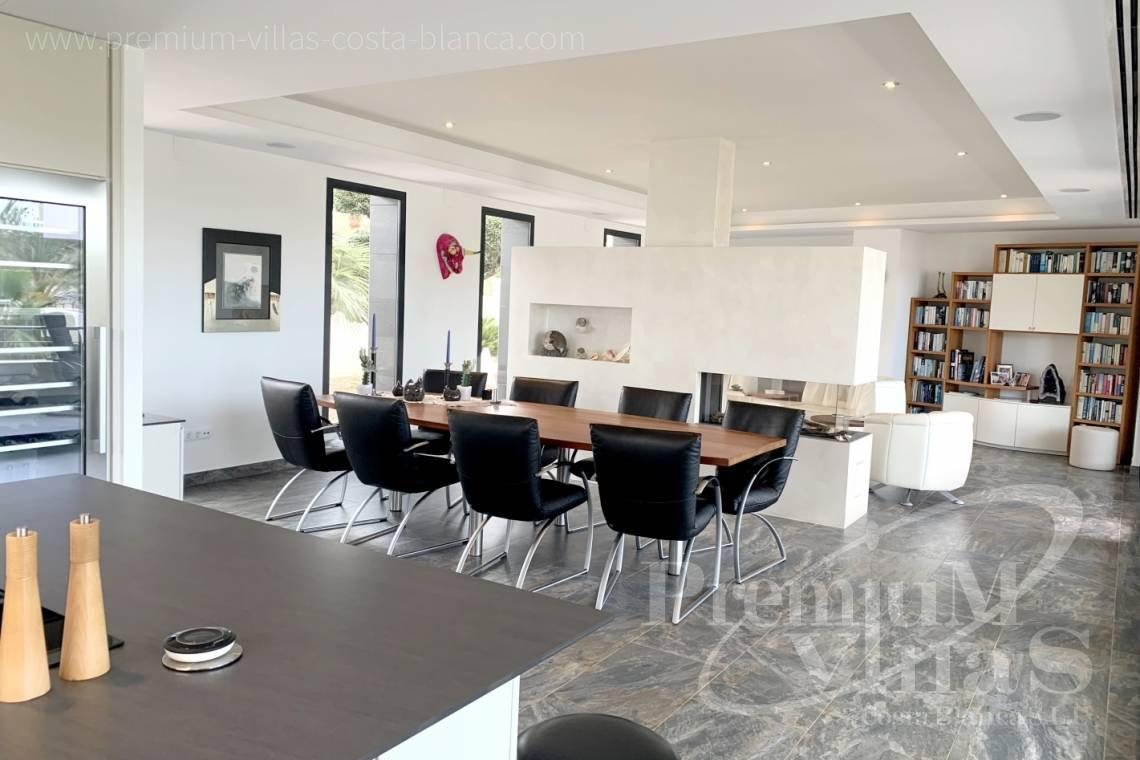 - C2433 - Spacious modern luxury villa in Moraira 11