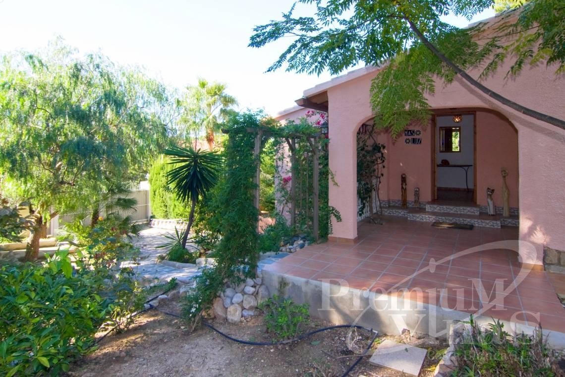 - C2129 - Privately located villa with sea view and beautiful garden in Altea 28